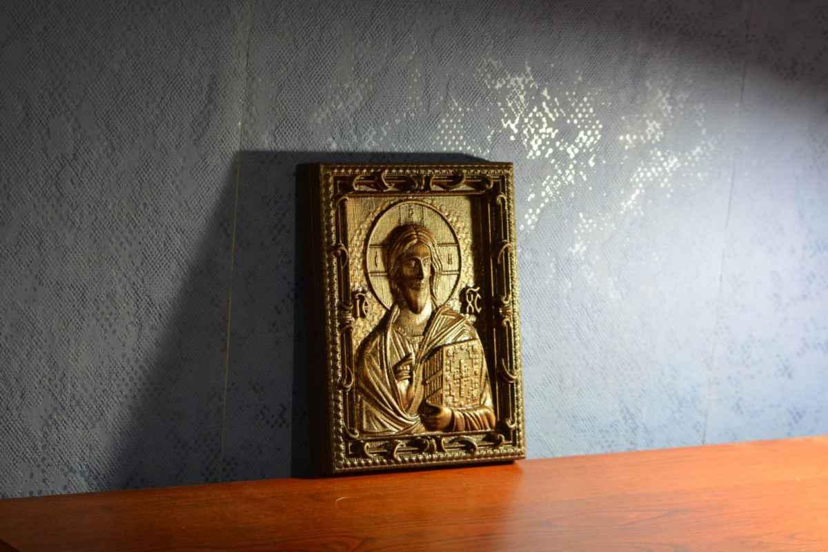 Можно ли дарить иконы в подарок: приметы, мнение церкви 63