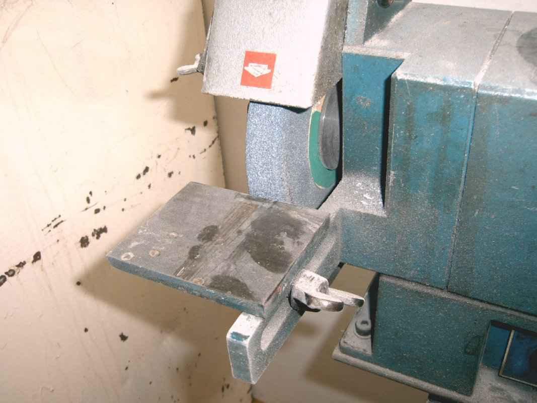 Bosch bench grinder 2 .jpg